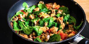Ernährungsmythos: Darf man Spinat und Pilze wieder aufwärmen?